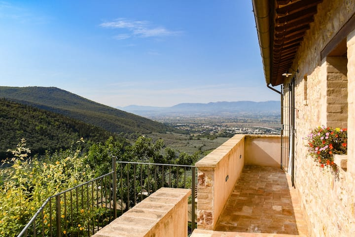 App. Margherita (max 5 p.) Country House in Umbria