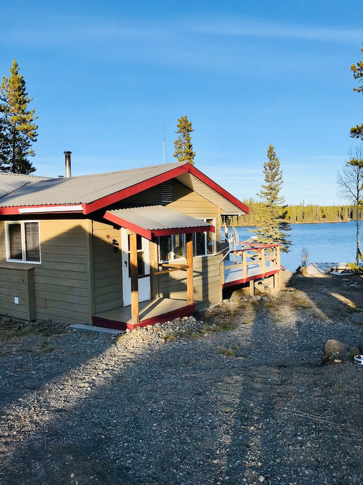 Henry's Lakefront Private Cabin