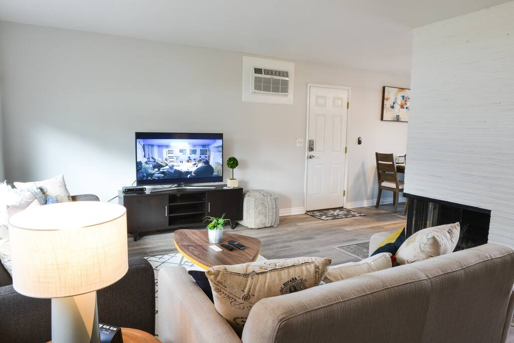 "Cozy Living room with 50"" TV"