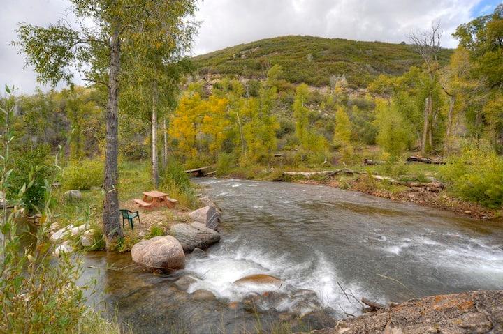 Riverside Fishing Cabin near Durango