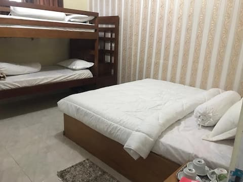 Kamar 003 Bunga Sonsang  Home Stay Syariah