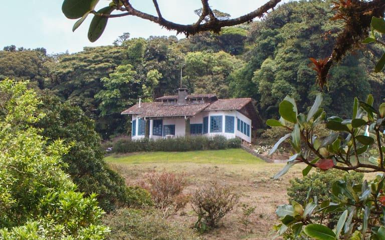 Los Alpes Lodge im Bergregenwald von Costa Rica - Piedades Sur