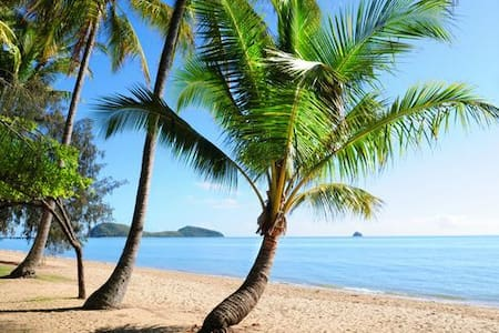 3 Bed Villa in a Tropical Resort v19 - Palm Cove