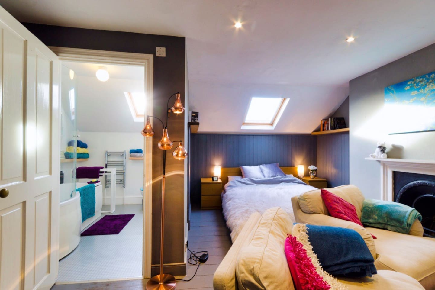 Self-contained, bright open-plan warm roof-loft space with ensuite bathroom & fast Wifi/broadband. Gas central heating can be substituted at will with electric heating. A blackout-blind is fitted in the main Velux window helping guests sleep in!
