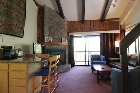 Yosemite West Small Loft Condo A207 - Loteng