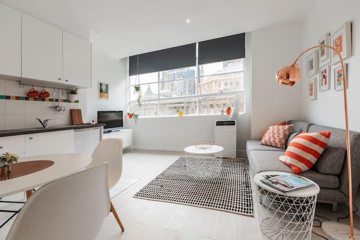 Stylish City Centre Apartment *Free Tram Zone*