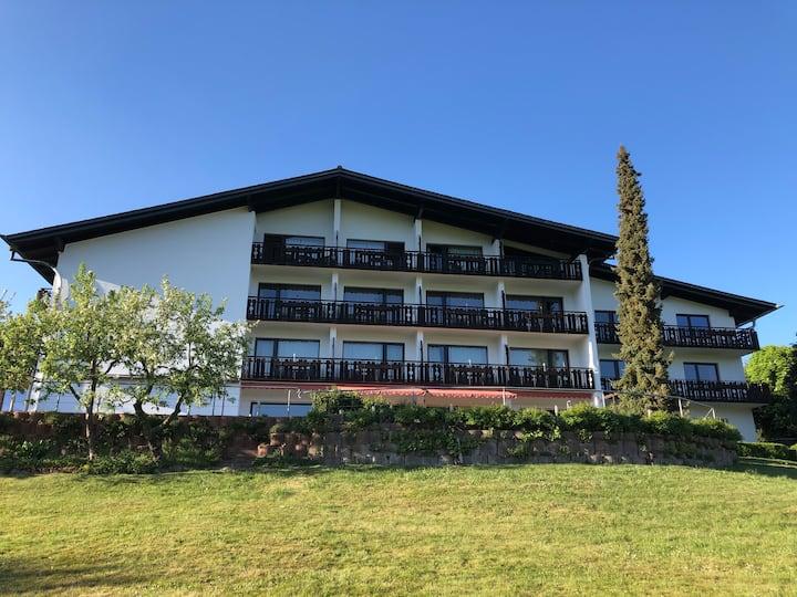 Landhotel Lortz mit der wohl schönsten Terrasse