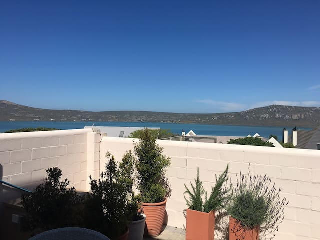 Langebaan- Pool Room Nr. 25 with breakfast - Langebaan - Apartamento