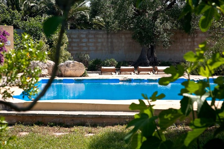 Masseria con piscina a Gallipoli (C)