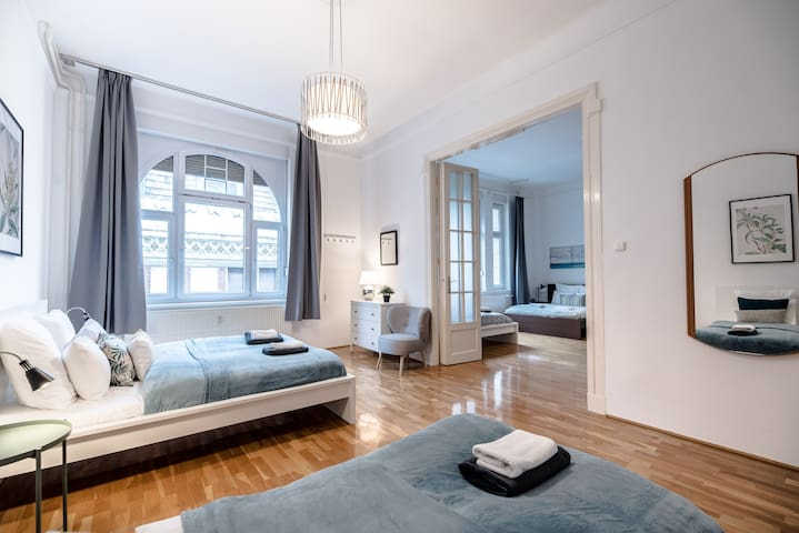 Ultra central spacious A/C home - Váci street