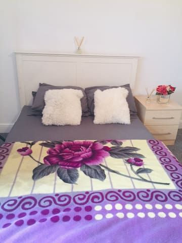 One nice bedroom space in narborough Leicester