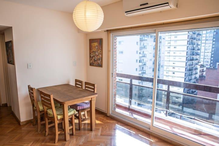 Apartamento con balcón y 1 cuarto en Belgrano R