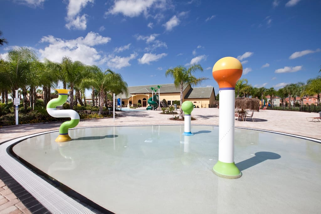 RESORT KIDS SPLASH AREA