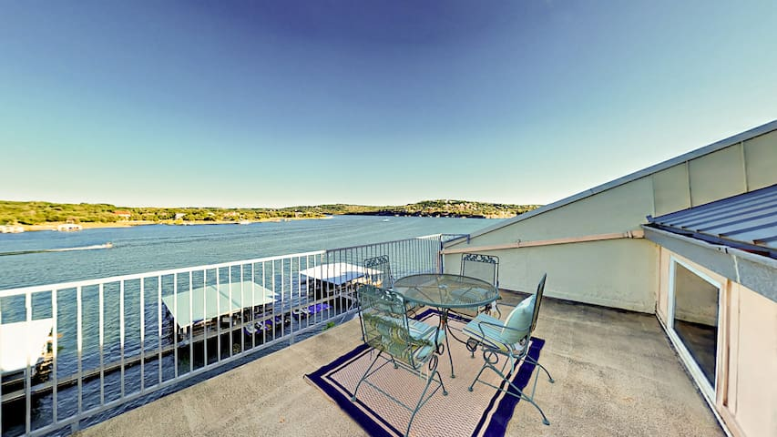 Lakefront Condo with Pool & 2 Balconies