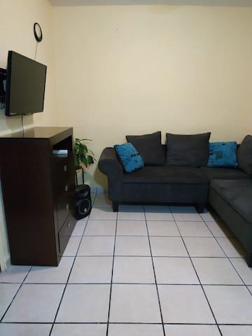 Casa en privada y con estacionamiento
