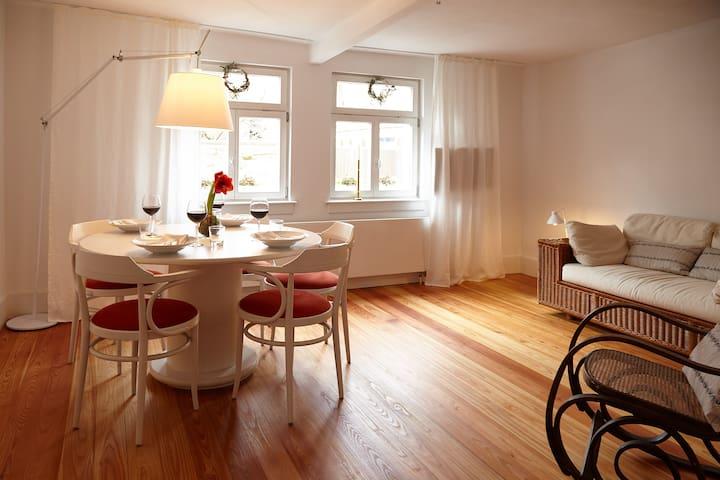 Lichtdurchflutetes Fachwerkhaus zum Wohlfühlen - Bad Vilbel - House
