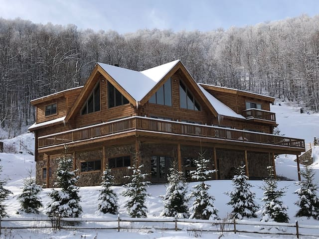 Ultimate ski in/ski out luxury house Windham.