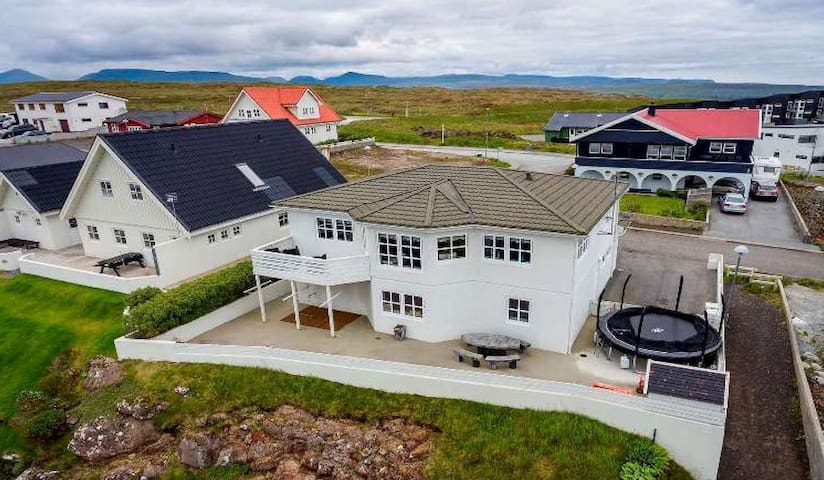 Large villa with great view of Tórshavn