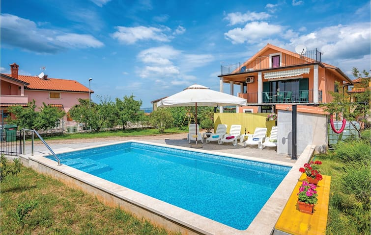 Holiday apartment with 1 bedroom on 59m² in Kastel