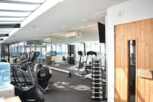 Guests have free access to the well equipped gym and sauna