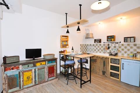 Rapallo centro de la ciudad acogedor estudio con garaje!