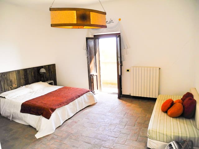 Seminar house Podere Monticchio - Torgiano - Bed & Breakfast