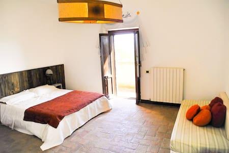Seminar house Podere Monticchio - Torgiano - ที่พักพร้อมอาหารเช้า