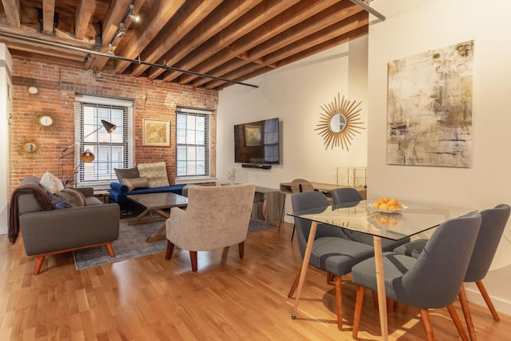 NEW! Walk Everywhere Downtown, 1BR Modern Loft