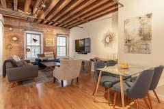 Designer+Loft+in+Downtown+Waterfront++location