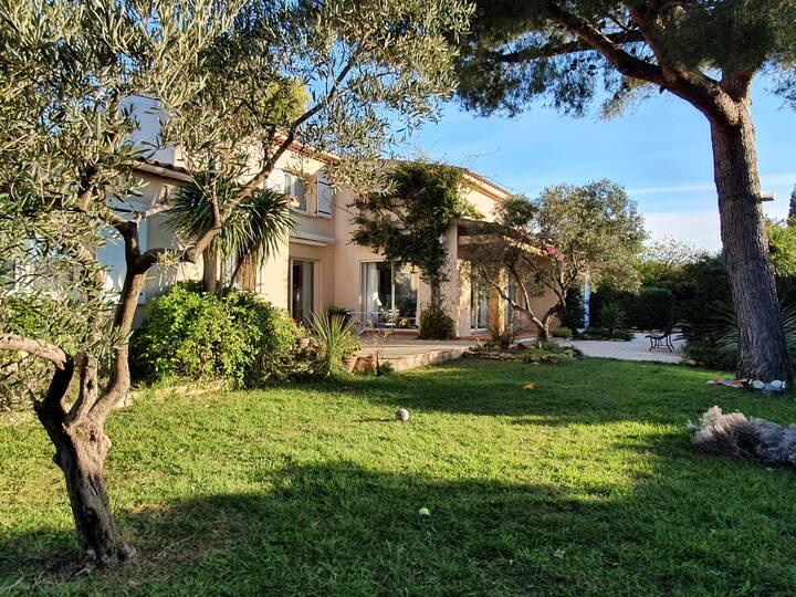 Grande villa, mer à 200m et piscine privée