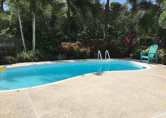 Johnny's Beach hideaway pool home by Beachhousefl
