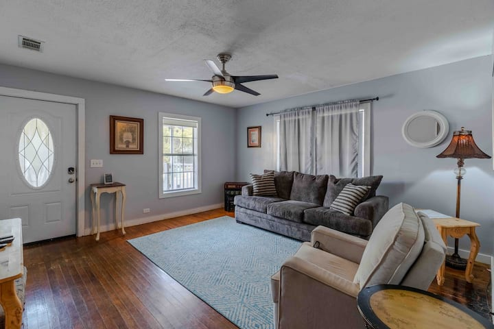 Hattiesburg Retreat Unit B (Centrally Located)