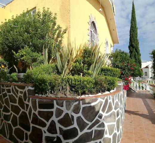 Villa Girasol
