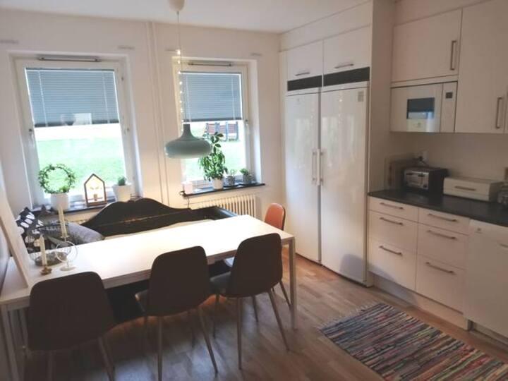 Lägenhet vid Solliden, nära skog och stad