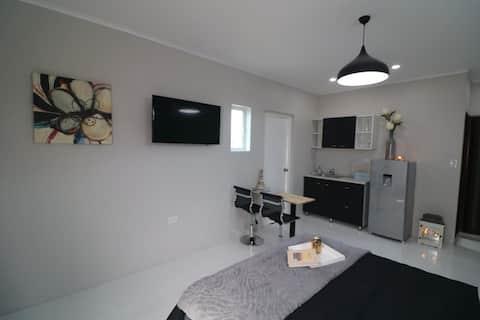 Moderný apartmán na úteku v prírode neďaleko pláže Baby Beach