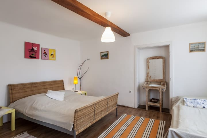 3 beds room in the aparteman