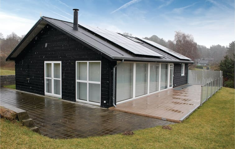 Holiday cottage with 3 bedrooms on 121 m² in Ebeltoft