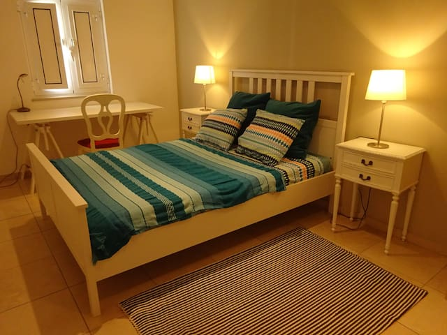 Quarto principal Main double bed room