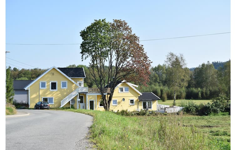 Holiday apartment with 3 bedrooms on 95m² in Lyngdal