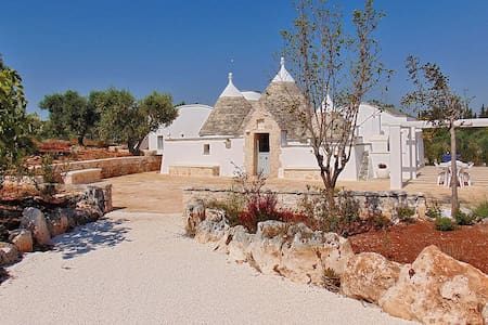 Typical Trullo with private pool and garden