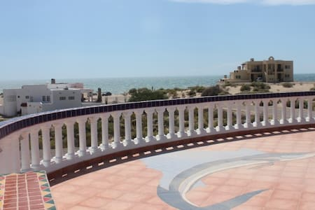 Huge Roof Top Terrace w/ Ocean & Desert Views