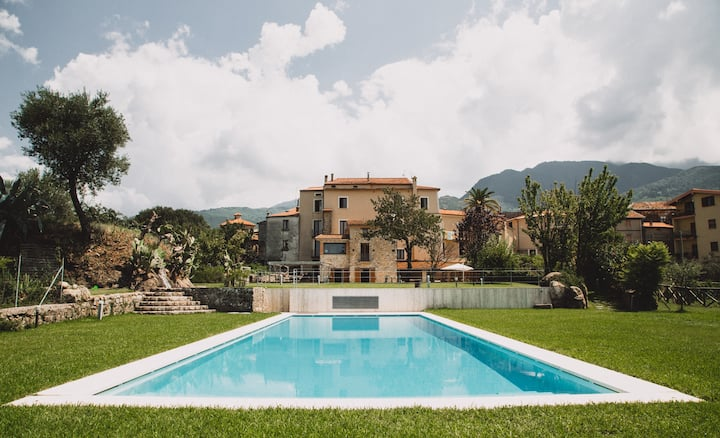 La Casa di Ester, villa with pool