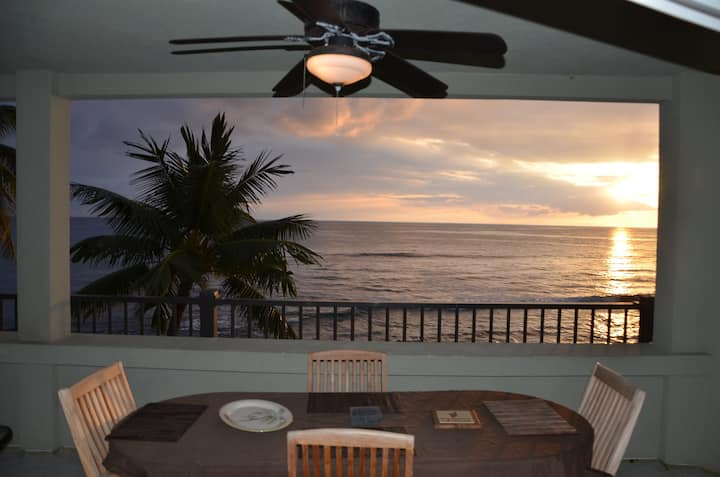 Direct ocean front 2 bed/2 bath condo with AC!