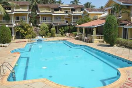 Lively Pool view Suite @ Velsao - Cansaulim - Apartmen