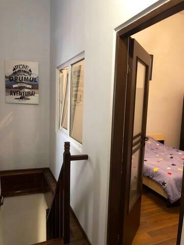 Cozy 2 level-apartament