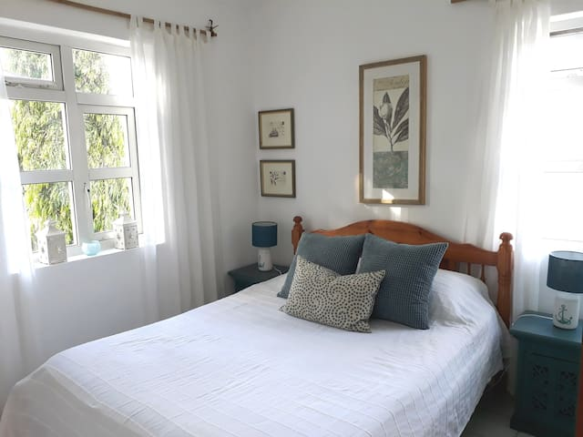 Les Biches Self Catering 2-bed Apt 150m from Beach