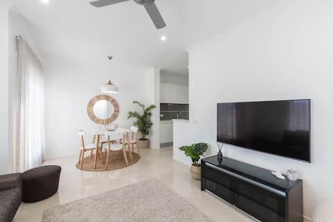 'The Dunes' Luxury 2 Bed Beach Guesthouse Cronulla