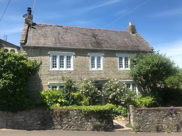 Quintessential Cottage near Bath, Grade 2 listed.
