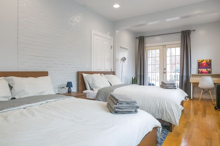 Sunny & Clean Private Room 2Beds/Private Bathroom - บอสตัน - บ้าน
