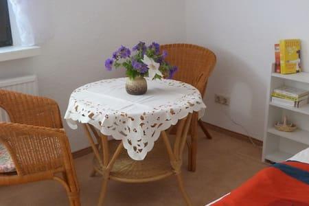 Zimmer für zwei mit Frühstück - Plau am See